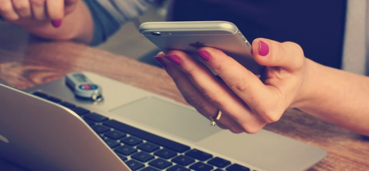 Jak ušetřit nákupem služeb na internetu