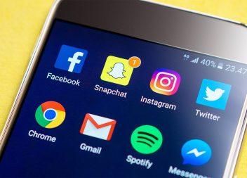 Co je teď IN na sociálních sítích? Jaudelam.cz ti poradí